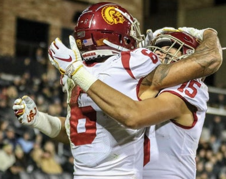 Family Feud: Can USC pull off an upset against Oregon?